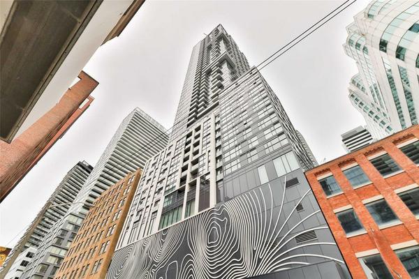 87 Peter St 611, Toronto