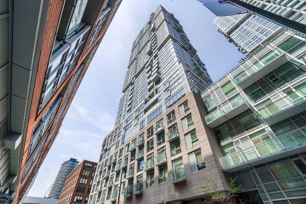 30 Nelson St 1408, Toronto